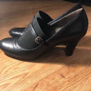 🌹Naturalizer Black Booties Heels 8.5